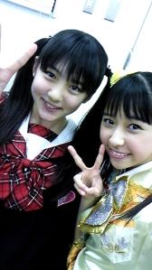 Shiori with previous Momoclo member